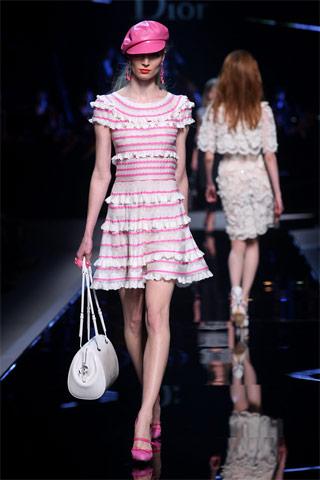 Šaty Dior léto 2011