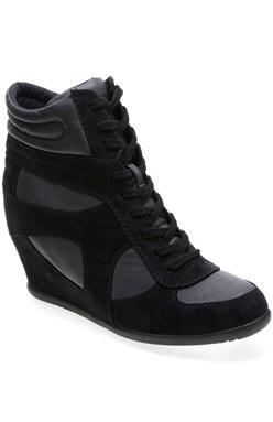 sportovní boty na podpatku