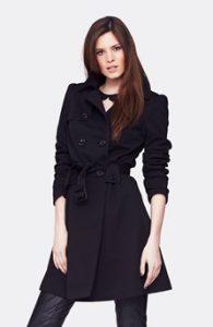 dámský černý kabát střední délka pásek