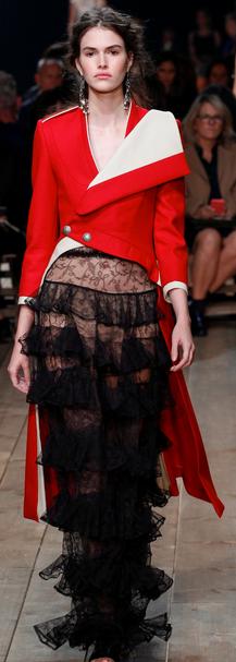 moda jaro 2016 Alexander-McQueen španělske trendy