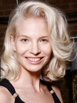 ucesy dlouhe vlasy 2015